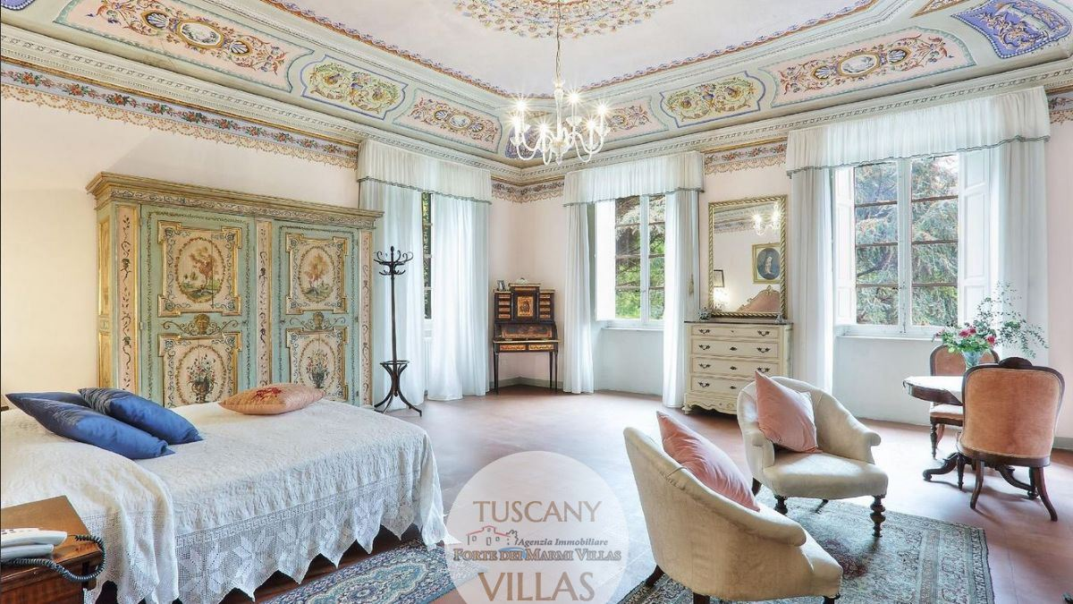Splendid historical manor house in Camaiore Tuscany : Double room