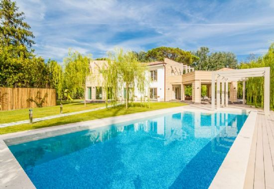 Prestige villa Tuscany sea : Detached villa For sale  Forte dei Marmi