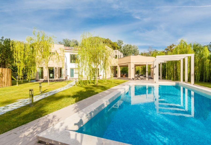 Luxury tourist real estate market: Tuscany always at the top