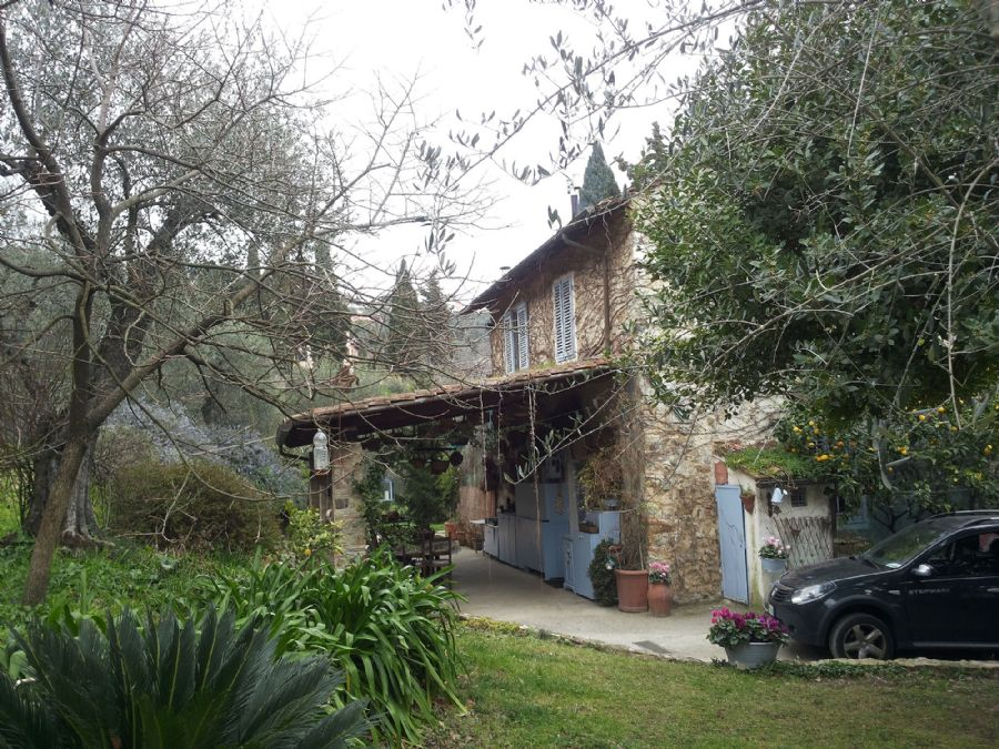 Farmhouse for sale in Massarosa : Outside view