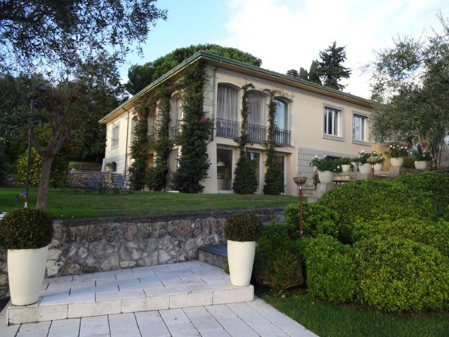 Villa Livia : detached villawith pool  for sale Versilia hills Camaiore
