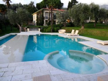 Villa Livia : Detached villa For sale Versilia hills Camaiore