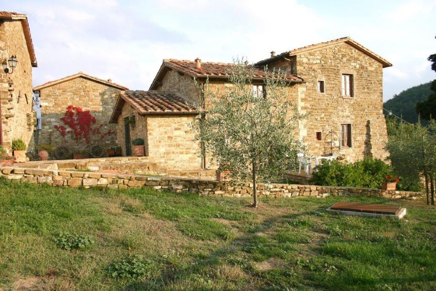 Farmhouse in Chianti area : Outside view