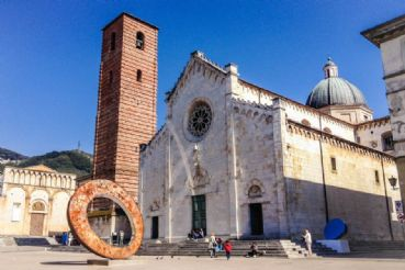 Pietrasanta is the city of artists